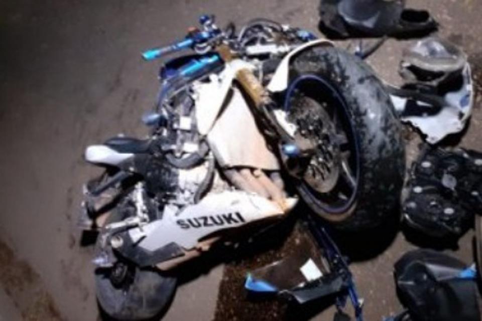 Motociclista fica em estado grave após colisão com carro