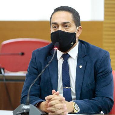 Deputado Eyder Brasil reforça compromisso com a educação de Pimenta Bueno