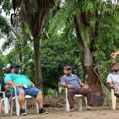 ZONA RURAL: Deputado Sargento Eyder Brasil se reúne com moradores da bacia leiteira