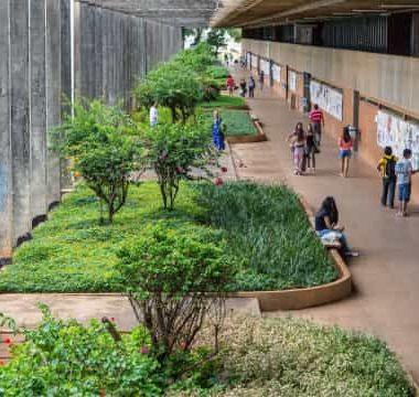 Rede municipal do Rio retoma aulas presenciais para 9ºano e Peja