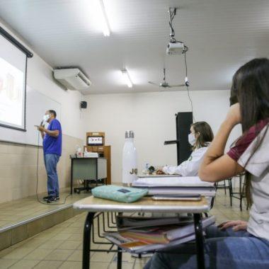 EDUCAÇÃO – MEC determina volta às aulas presenciais a partir de janeiro