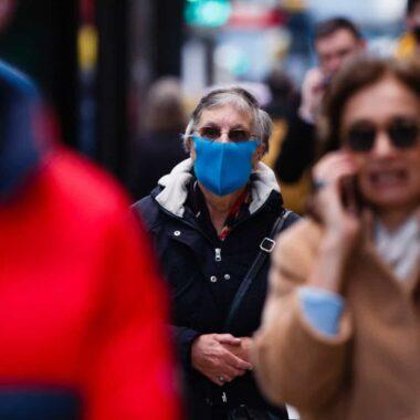 Sem distanciamento, as máscaras não impedem a propagação da Covid-19