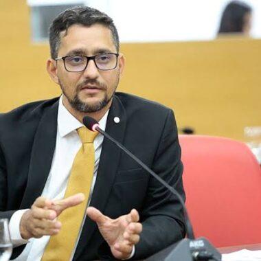 VITÓRIA PARA EDUCAÇÃO – Deputado Anderson parabeniza Governo Federal por sancionar a regulamentação do novo Fundeb