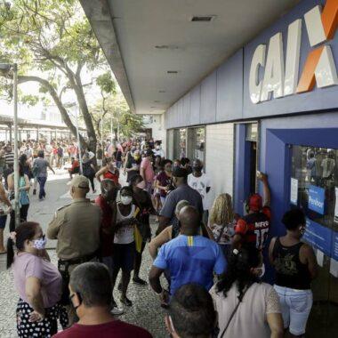 Caixa paga auxílio emergencial nesta terça a beneficiários do Bolsa Família