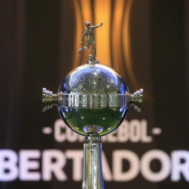 Semifinal da Libertadores terá fronteira 'furada' e teste inédito de PCR