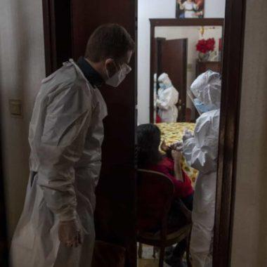 APERTO NA RESTRIÇÃO – Natal da pandemia fica sem viagens e ceias