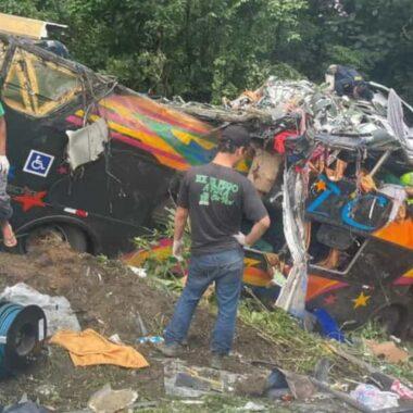 TRÁGICO – Acidente com ônibus deixa 14 mortos e 32 feridos