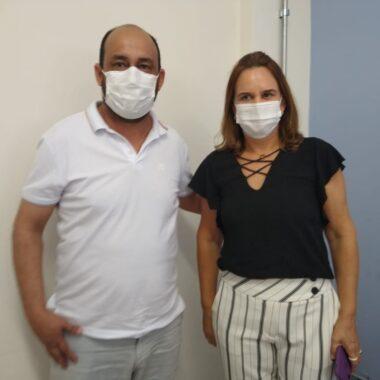 Vereador Wanoel Martins visita secretária de saúde   e cobra ações para combater o COVID19