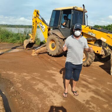 Cai n'água recebe benefício da prefeitura a pedido do vereador Wanoel Martins