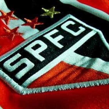 São Paulo fica sem dois laterais-esquerdos para duelo decisivo contra o Flamengo