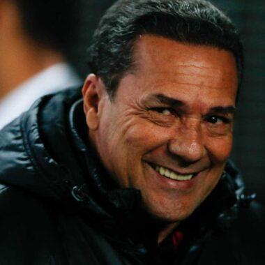 Apresentado, Luxemburgo diz que aceitou proposta do Vasco por não ser 'covarde'