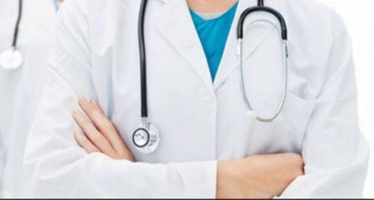 Falsa médica de 19 anos presa em MT marcava hospitais em rede social e pedia a Deus que fizesse das mãos dele as suas