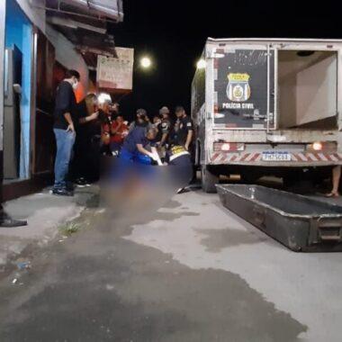 Promotor de eventos é morto a tesouradas enquanto tomava banho