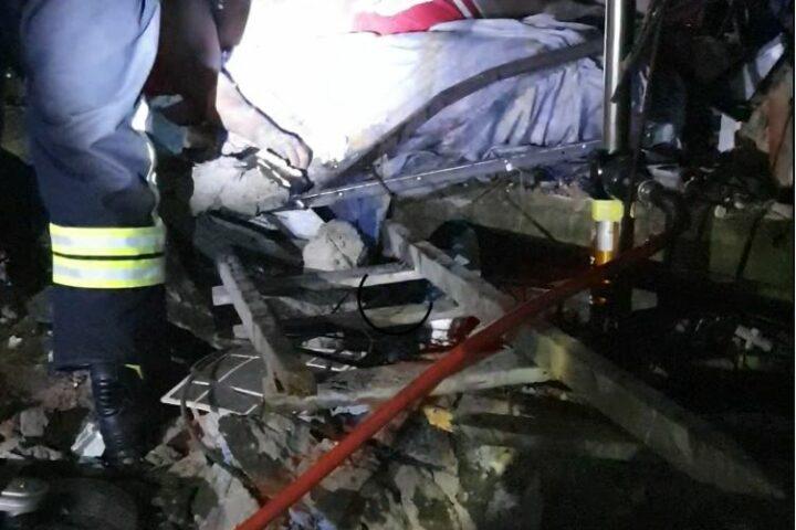 Tragédia: enquanto dormia, homem morre esmagado após casa desabar