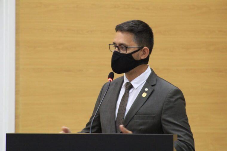 Durante discurso na primeira sessão do ano, deputado Anderson pede atenção ao governo para Polícia Penal que amarga mais de oito anos de defasagem salarial