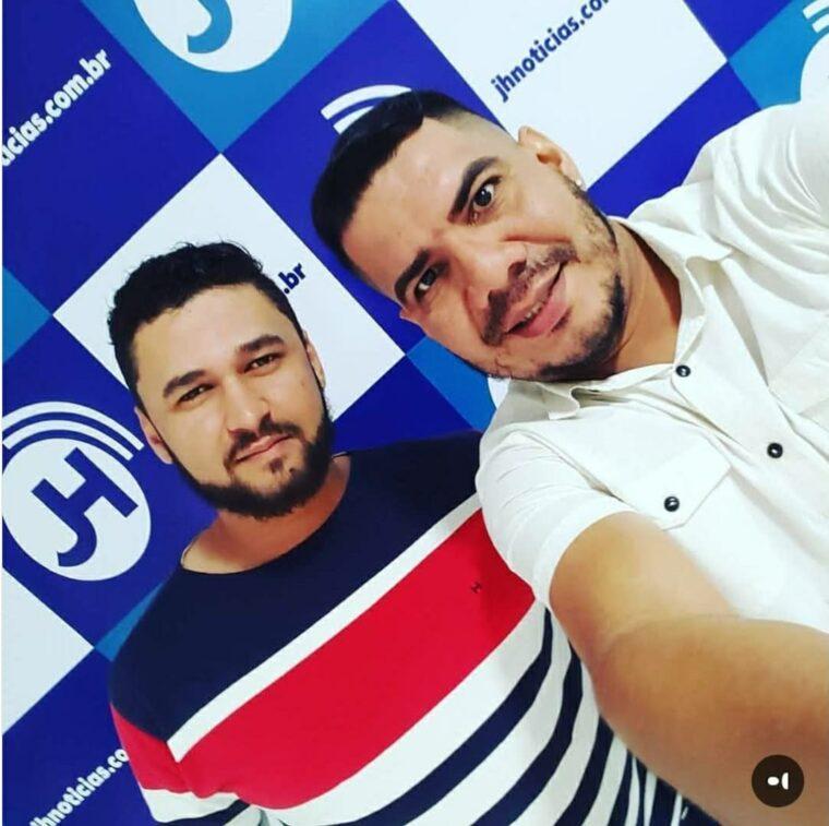 """Jornalistas Hallann Nascimento (esquerda) e Luiz Júnior """"In Memorian"""" (direita)"""