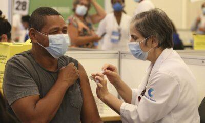 Brasil chega à marca de 100 milhões de doses de vacina aplicadas